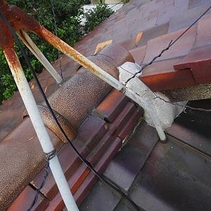 ケラバ棟違い雨漏り