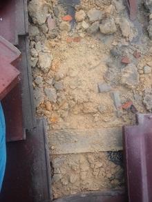 地瓦土痩せ逆勾配化雨漏り