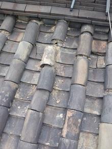 大阪府の本葺き瓦屋根のズレ