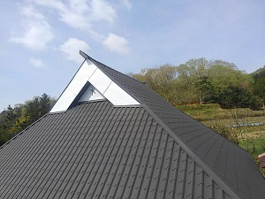 猪名川町のガルバニウム屋根