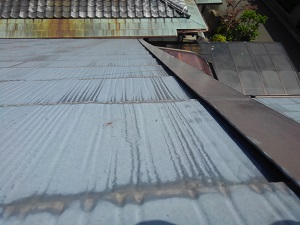 スレート屋根の雨漏り調査