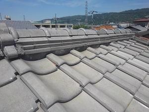 瓦屋根の修理調査