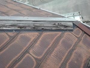 薄型化粧スレート屋根の修理調査(岸和田市)