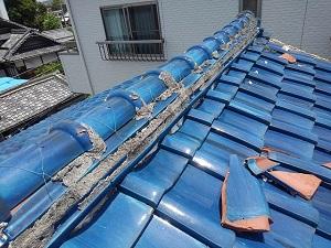岸和田市にて青緑瓦の修理診断