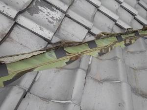 和泉市にて谷樋の修理工事