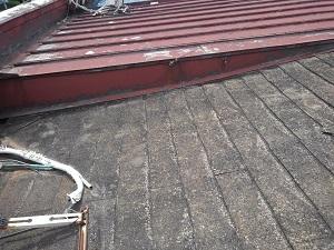 パラペット屋根の雨漏り修理調査