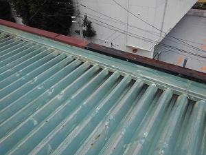 茨木市の折版屋根修理調査