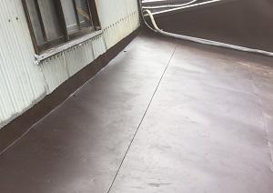 ガルバニウム鋼板晒し葺き