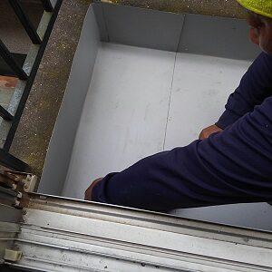 大阪府でのベランダ雨漏り修理工事