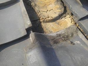 瓦屋根の毛細管雨漏り