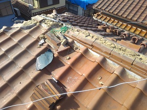 吹田市の台風21号による瓦屋根の損傷