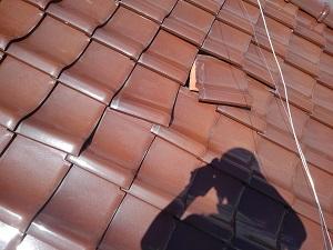 摂津市の瓦屋根雨漏り調査と修理