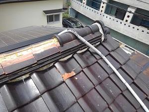 摂津市の瓦屋根雨漏修理調査