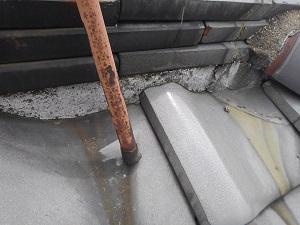 茨木市での雨漏り調査・漆喰出過ぎ